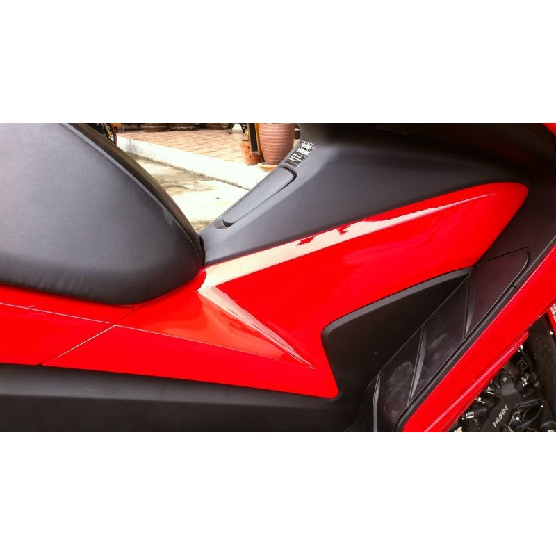 Panel Center Right Honda Forza 300